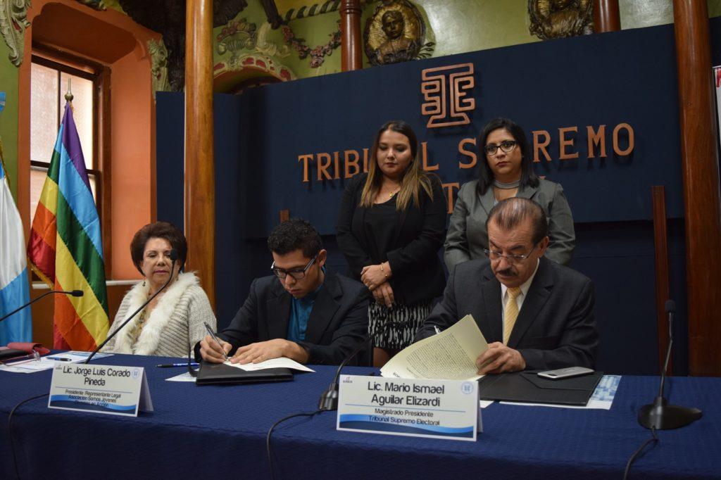 SOMOS en TSE tekenen een overeenkomst over de positie van LHBT's in Guatemala