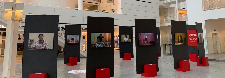 Fototentoonstelling She's got the power in Atrium Den Haag